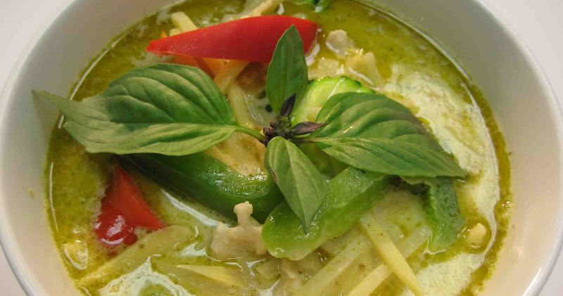 Grøn Karrysuppe Med Kylling Kaeng Khiao Wan Kai Eller Rejer Og Ris